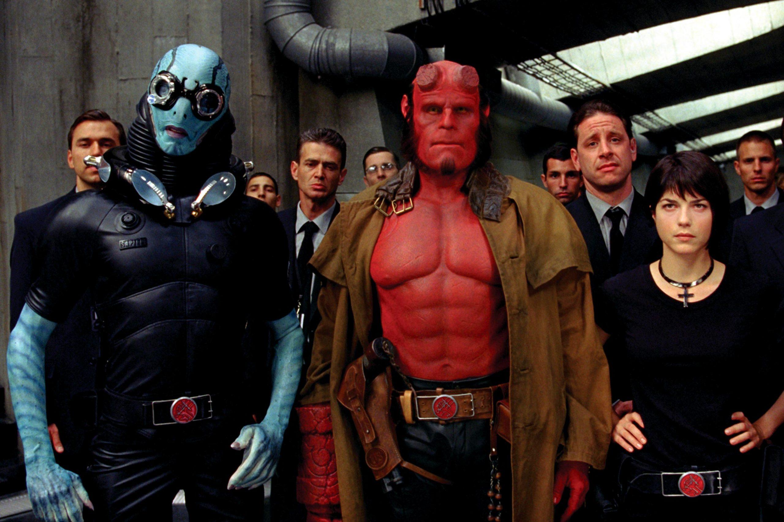 top 10 hellboy cover my geek actu.jpg